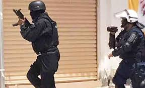 Photo of Barbaric Bahraini Regime Deports Eight People after Revoking Their Citizenship