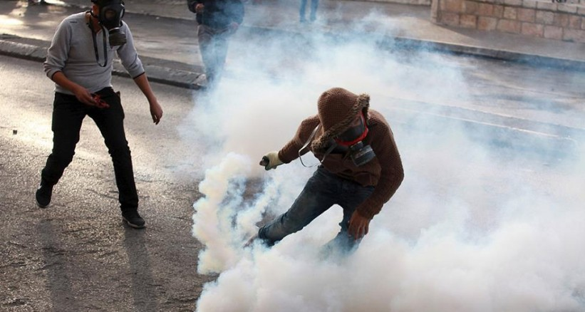 Photo of Palestinians Clash with Zionist Occupation Forces in Various Cities after Friday Prayer