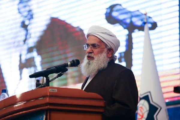 Photo of Top Iranian Sunni cleric criticizes US full support for Zionist regime