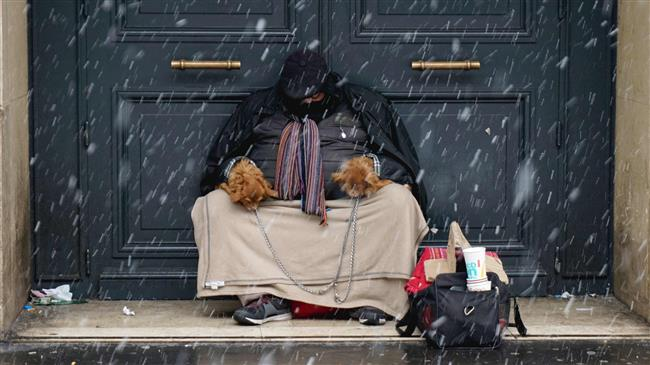Photo of French MPs 'sleep rough' in cold Paris to highlight homelessness