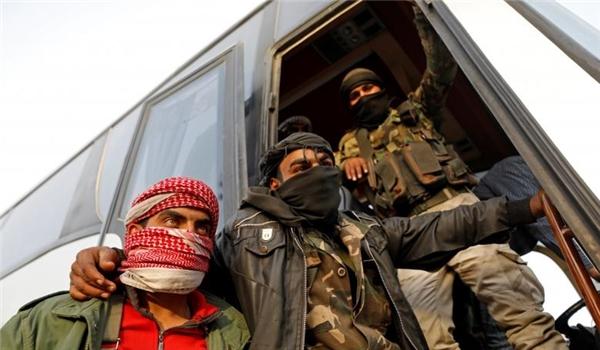 Photo of Almost 1,200 Jeish Al-Islam Terrorists Leave Douma for Northern Syria