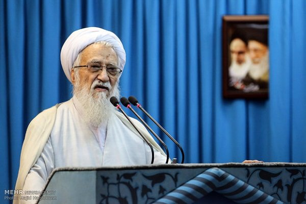 Photo of Iran not to bow to any foreign pressure: Senior cleric