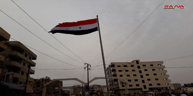 Photo of Syrian military raises flag over three towns in southern Damascus