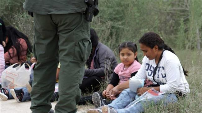 Photo of US border agents physically, sexually abuse migrant children in custody: Report