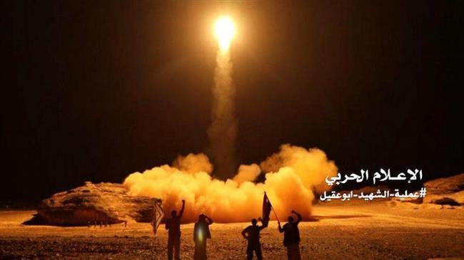 Photo of Yemeni ballistic missile destroys Saudi regime positions in Asir: TV