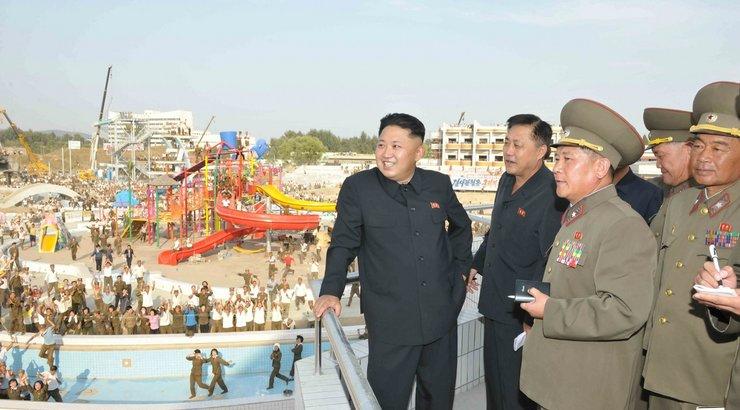 Photo of Kim Jong-un inspects tourist zone construction site