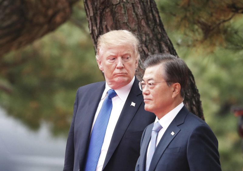 Photo of Moon visits White House Amid Doubt over Trump-Kim summit