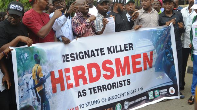 Photo of Nigeria imposes curfew as clashes between herdsmen, farmers kill 86