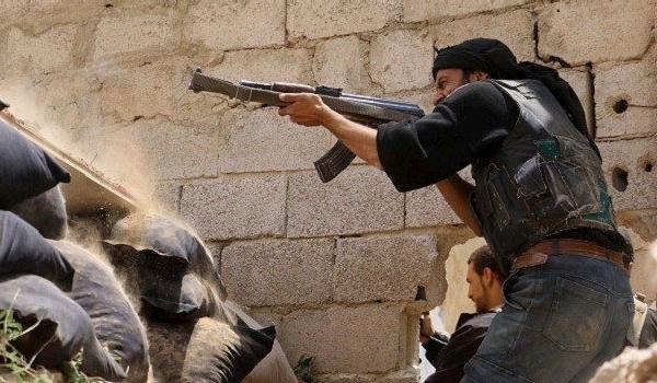 Photo of Unidentified Raiders Assassinate Notorious Terrorist Commander in Northern Syria