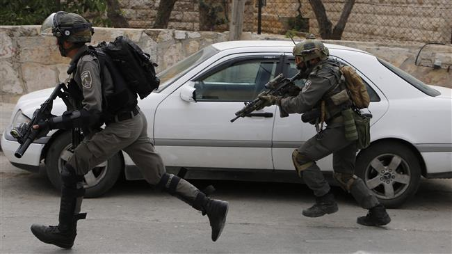 Photo of Zionist forces arrests 20 Palestinians in overnight raids across West Bank