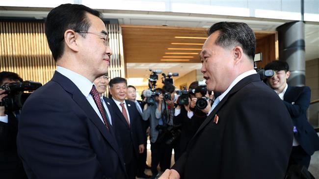 Photo of Pyongyang blasts 'US hegemonism' as Koreas meet