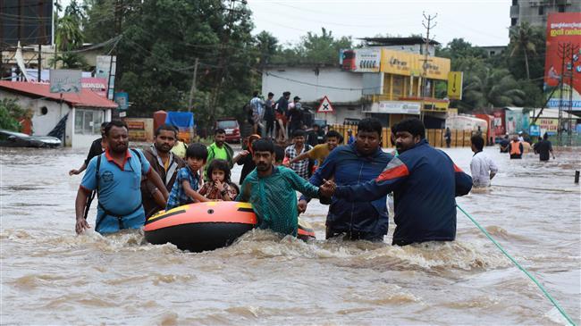 Photo of India's PM Modi surveys Kerala as floods kill 324