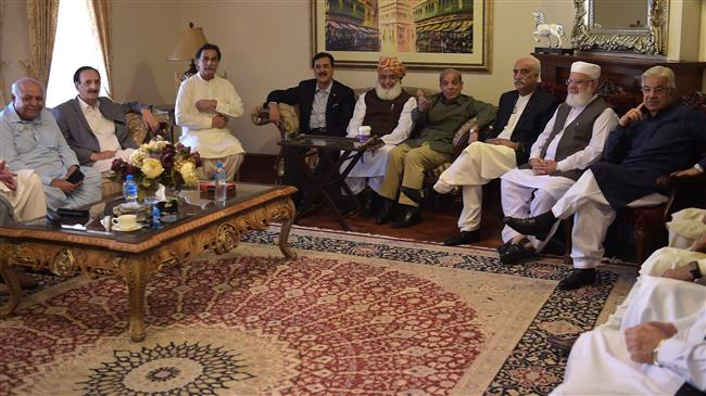 Photo of Pakistan's opposition groups to challenge Khan with own PM candidate in parliament