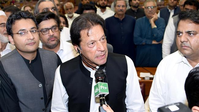 Photo of Former cricketer Imran Khan sworn in as Pakistan's PM