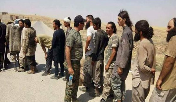 Photo of Great Satan US-Backed Terrorists Release over A Hundred ISIL Terrorists in Northeastern Syria