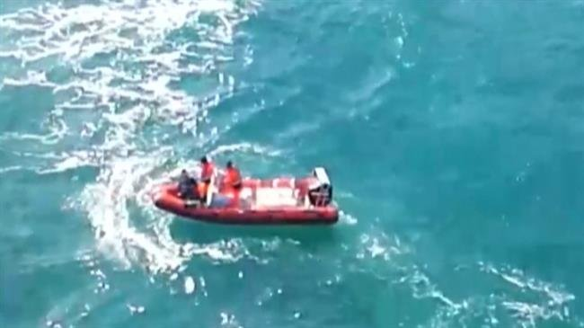 Photo of Eight dead, 25 missing as refugee boat sinks off western Turkey