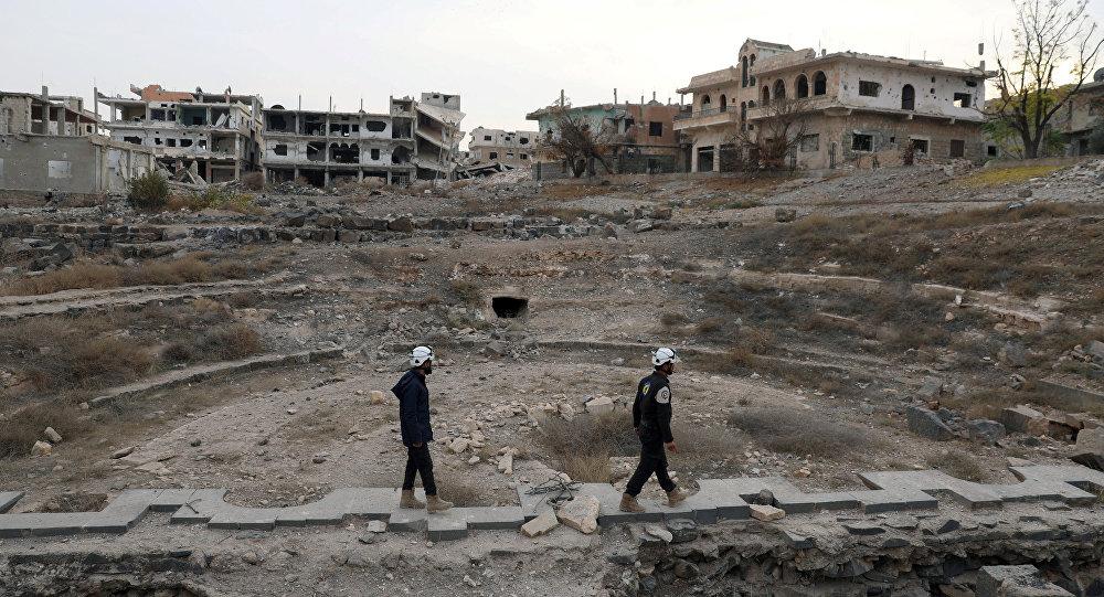 Photo of Terrorists, White Helmets move toxic substances across Idlib