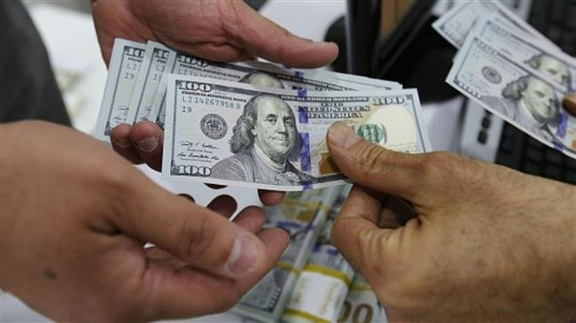 Photo of Gold, dollar down in Iran even after US restored sanctions