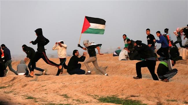 Photo of Zionist forces shoot, injure 28 Palestinian protesters in Gaza