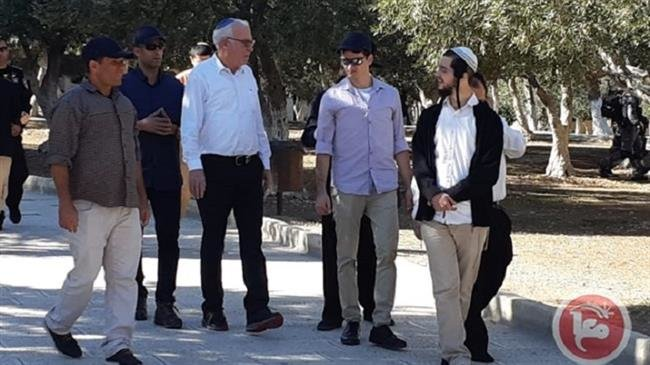 Photo of Zionist minister, dozens of settlers storm al-Aqsa Mosque