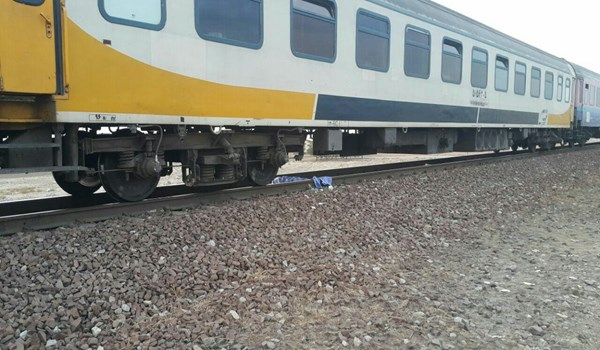 Photo of Iran Mounts First Home-Made Engine on Trains