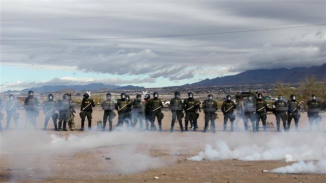 Photo of Lawmaker to join caravan, cross US border