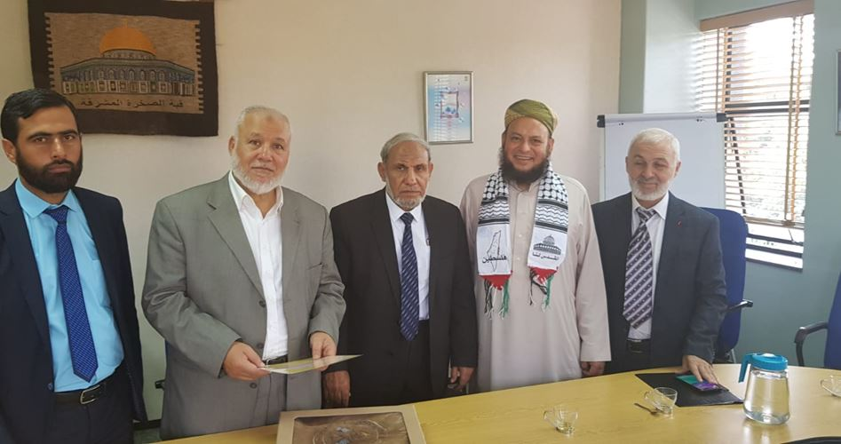 Photo of Hamas parliamentary delegation arrives in Beirut