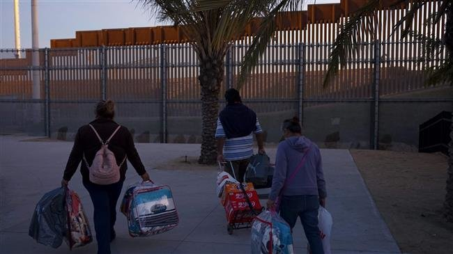 Photo of 'Trump's wall will not stop immigration from Mexico'