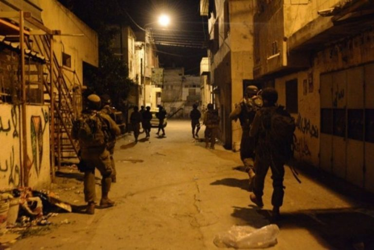 Photo of Zionist occupation forces arrested five Palestinians overnight
