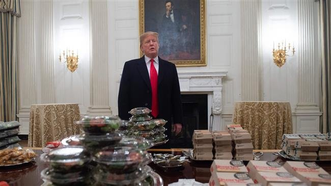 Photo of Dumb Trump pays for White House fast food feast as shutdown continues