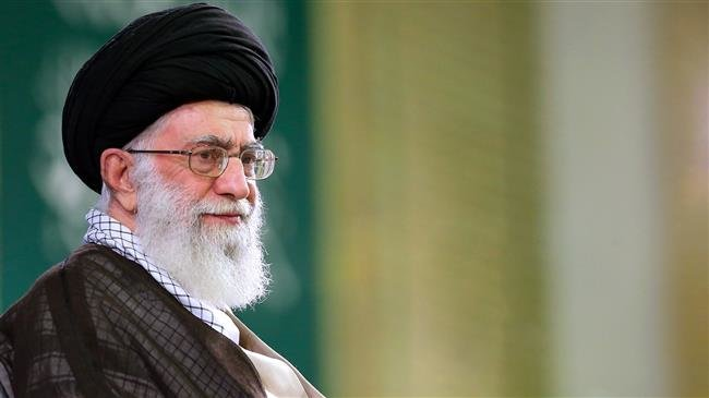 Photo of Leader of Islamic Ummah and Oppressed Imam Ali Khamenei: Iran must not back down from revolutionary ideals