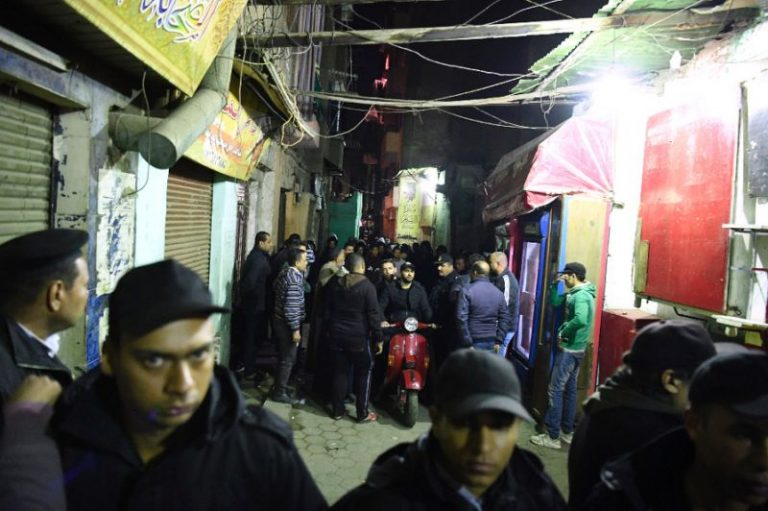 Photo of Suicide Bomber Kills Three Police in Historic Heart of Cairo
