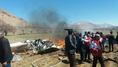 Photo of Emergency helicopter aiding a pregnant woman crashes in SW Iran, 5 martyred