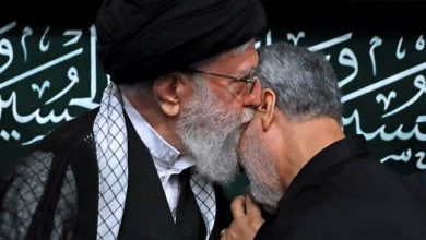 Photo of Leader of the Islamic Ummah and Oppressed Imam Sayyed Ali Khamenei awards General Soleimani with Iran's highest military order