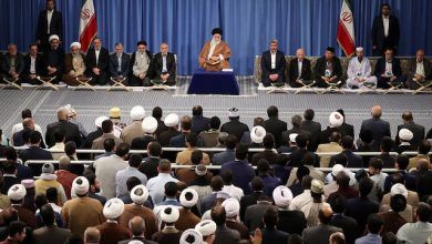 Photo of Imam Ali Khamenei: Normalizing relations with the Zionists is blatant violation of the word of Quran