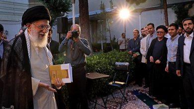 Photo of Iranian Poets Meet with Leader of Islamic Ummah and Oppressed Imam Ayatollah Khamenei