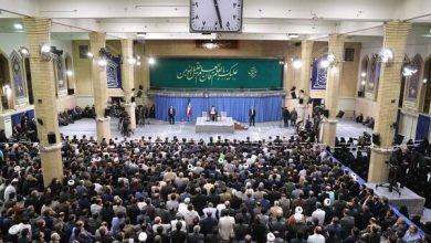 Photo of Leader of Islamic Ummah Imam Ali Khamenei receives researchers, academics