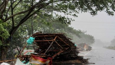 Photo of Cyclone kills 12 in east India before lashing Bangladesh