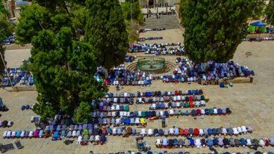 Photo of 100 Thousand Worshipers Perform Friday Prayer at Al-Aqsa Mosque