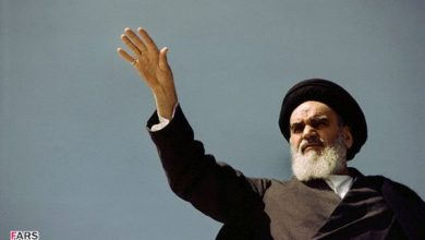Photo of Zoroastrian Cleric Lauds Imam Khomeini's Role in Uniting Iranian Nation
