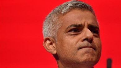 Photo of London mayor tells UK PM to stand up to 'far-right poster boy' Trump