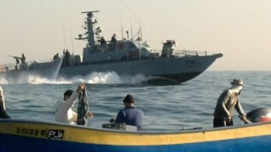 Photo of Zionist Navy Arrests Two Palestinian Fishermen, Damages Their Boat off Gaza Coast