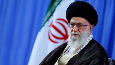Photo of Leader of the Islamic Ummah and Oppressed Imam Ali Khamenei: Defending Oppressed People Duty
