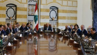 Photo of Protests in Lebanon Continue for Fifth Day as Cabinet Convenes