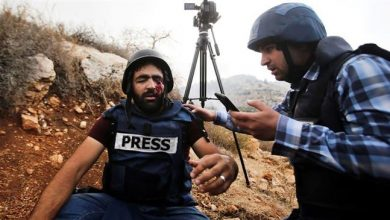 Photo of Zionist forces tear-gas, arrest Palestinian journalists in occupied West Bank