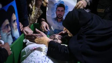 Photo of Iran buries martyrs as anti-rioting rallies expand