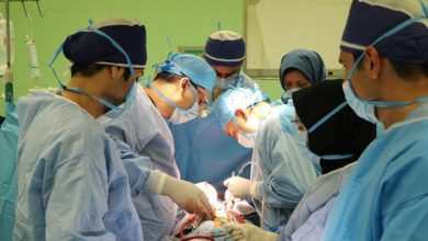 Photo of Iranian Surgeons Remove Brain Tumor through Awake Craniotomy