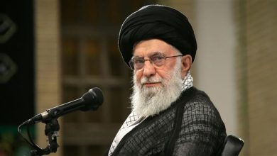 Photo of Leader Ayatollah Khamenei stresses 'Islamic compassion' in dealing with riot suspects