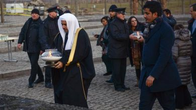 Photo of Senior zionist Saudi scholar visits Auschwitz camp ahead of Holocaust anniversary