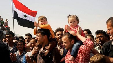 Photo of People in Deir Ezzur Hold Protest Rallies against US Deployment